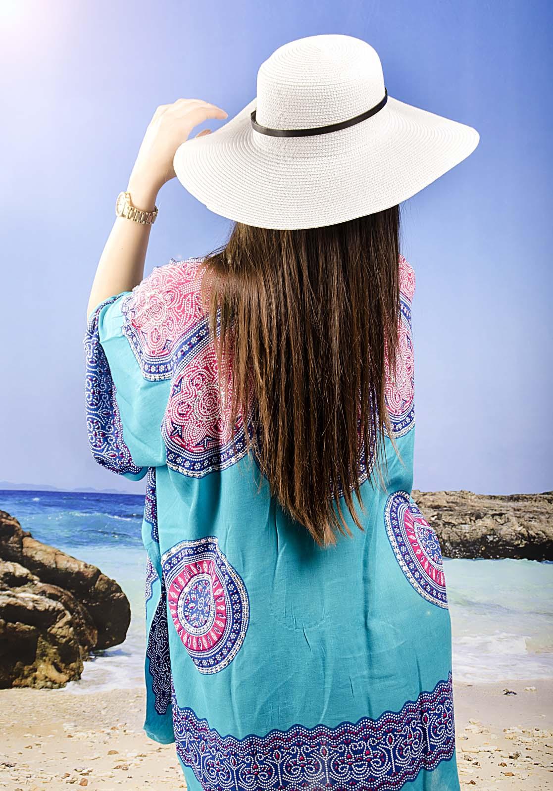 Плажна Туника в Тюркоазено с Цветни Елементи