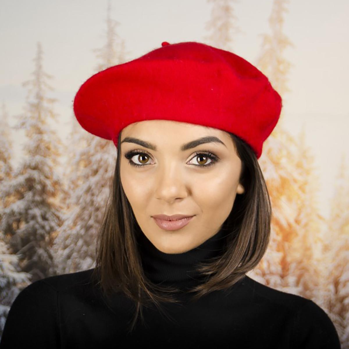 Дамска Зимна Барета Червена