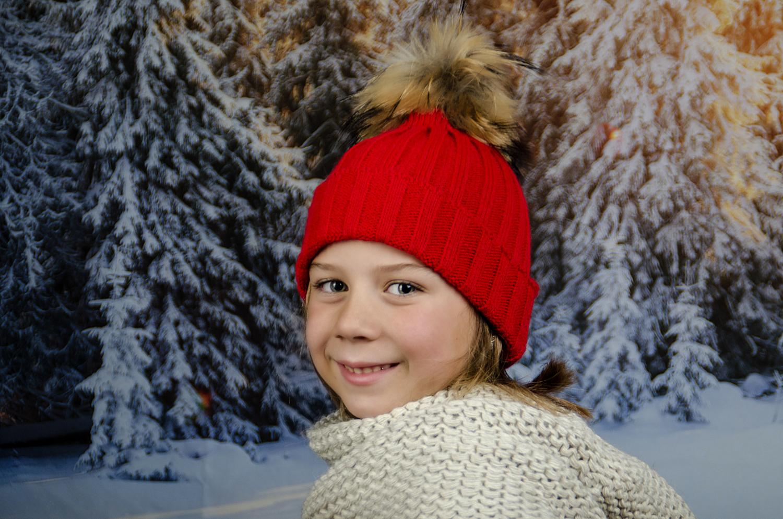 Детска Зимна Шапка за Момичета в Червено