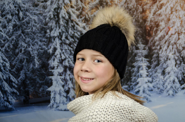 Детска Зимна Шапка за Момичета в Черно