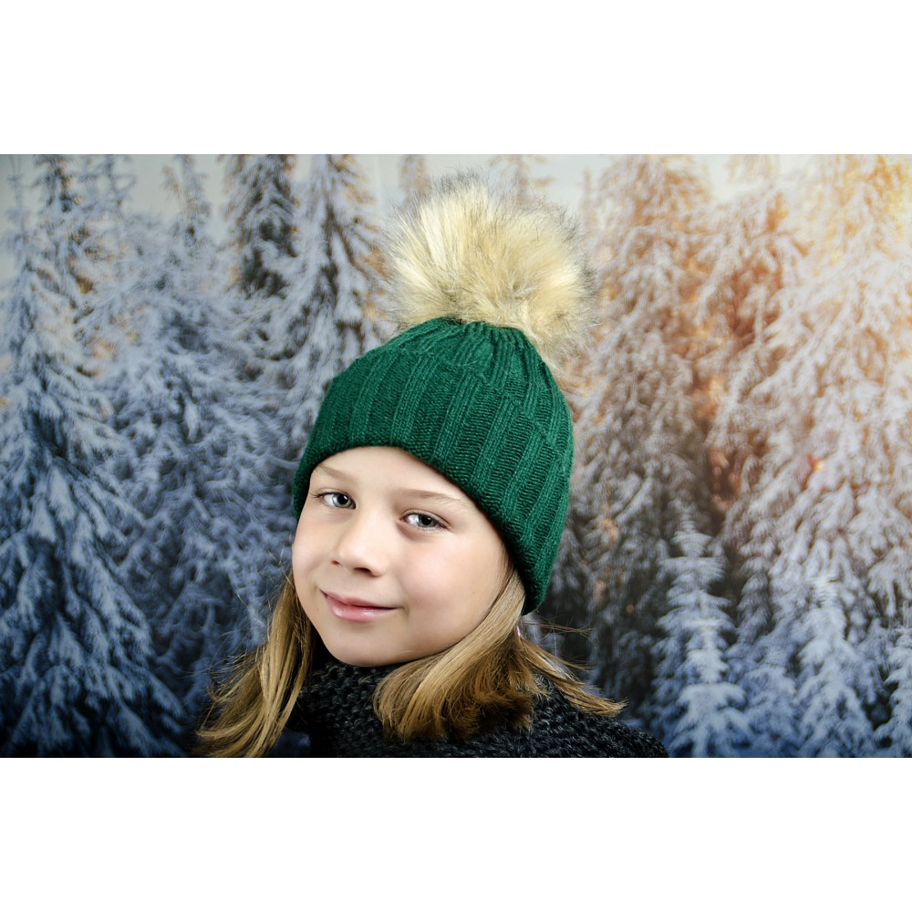 Зелена Зимна Плетена Шапка за Момичета