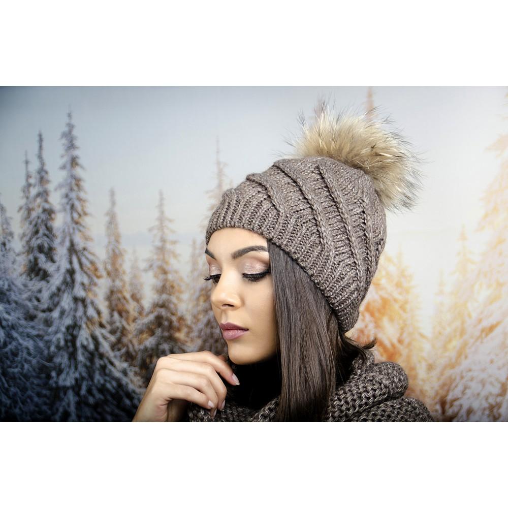 Кафява Дамска Зимна Шапка с Помпон Естествен Пух