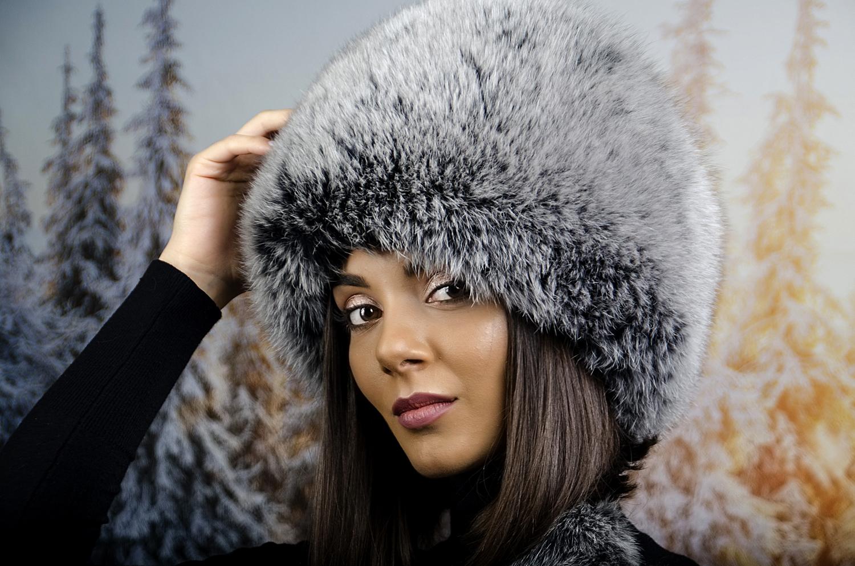 Сива Дамска Зимна Шапка тип Калпак