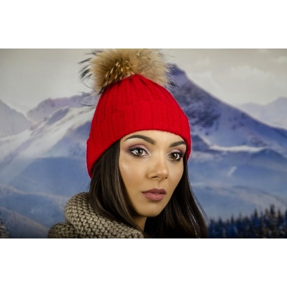 Дамска Плетена Зимна Шапка Червена