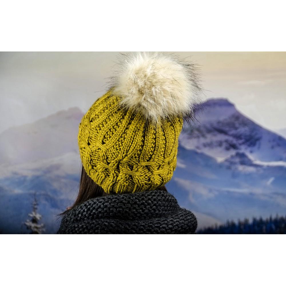 Плетена Дамска Шапка в Жълто-Зелено