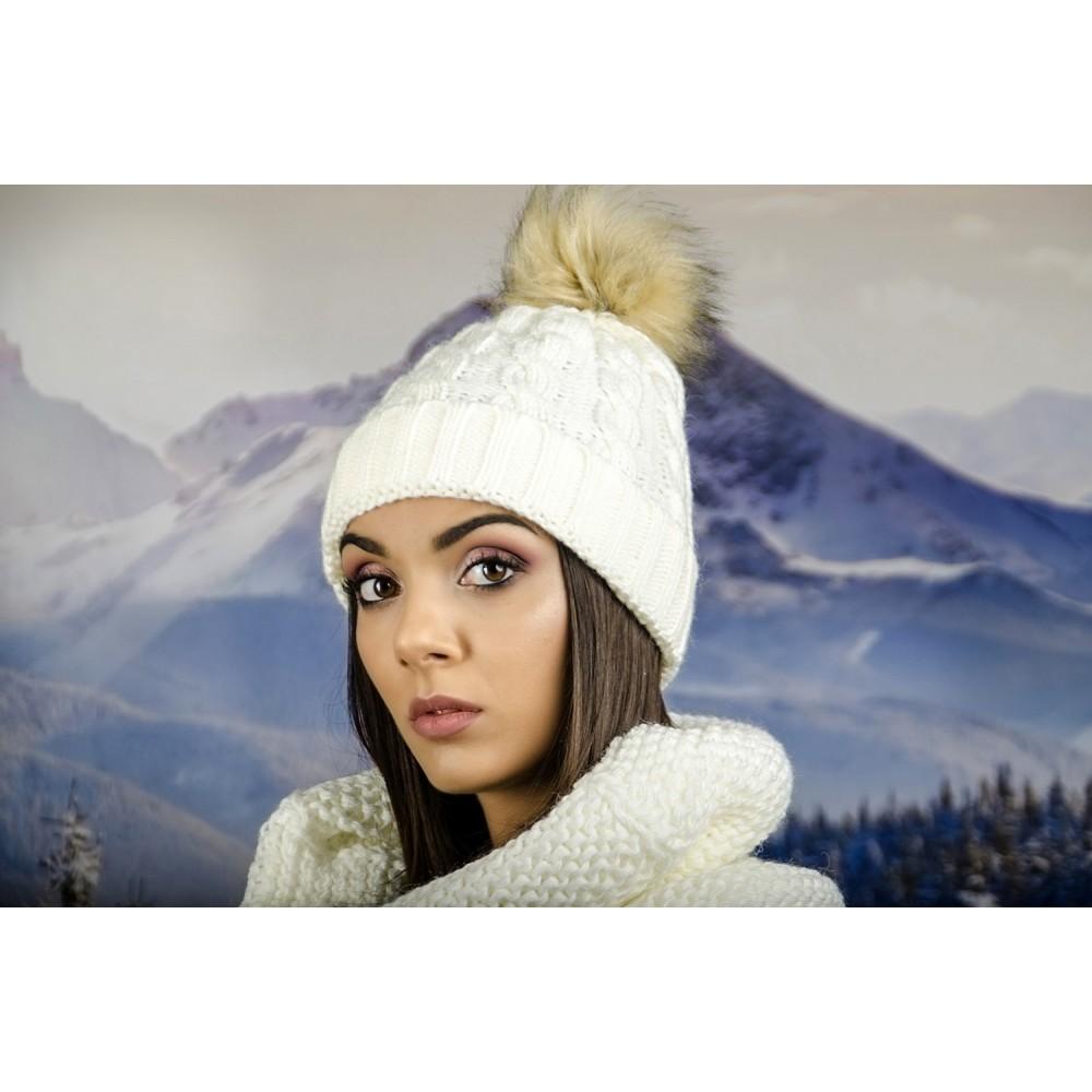 Дамска Зимна Шапка Бяла