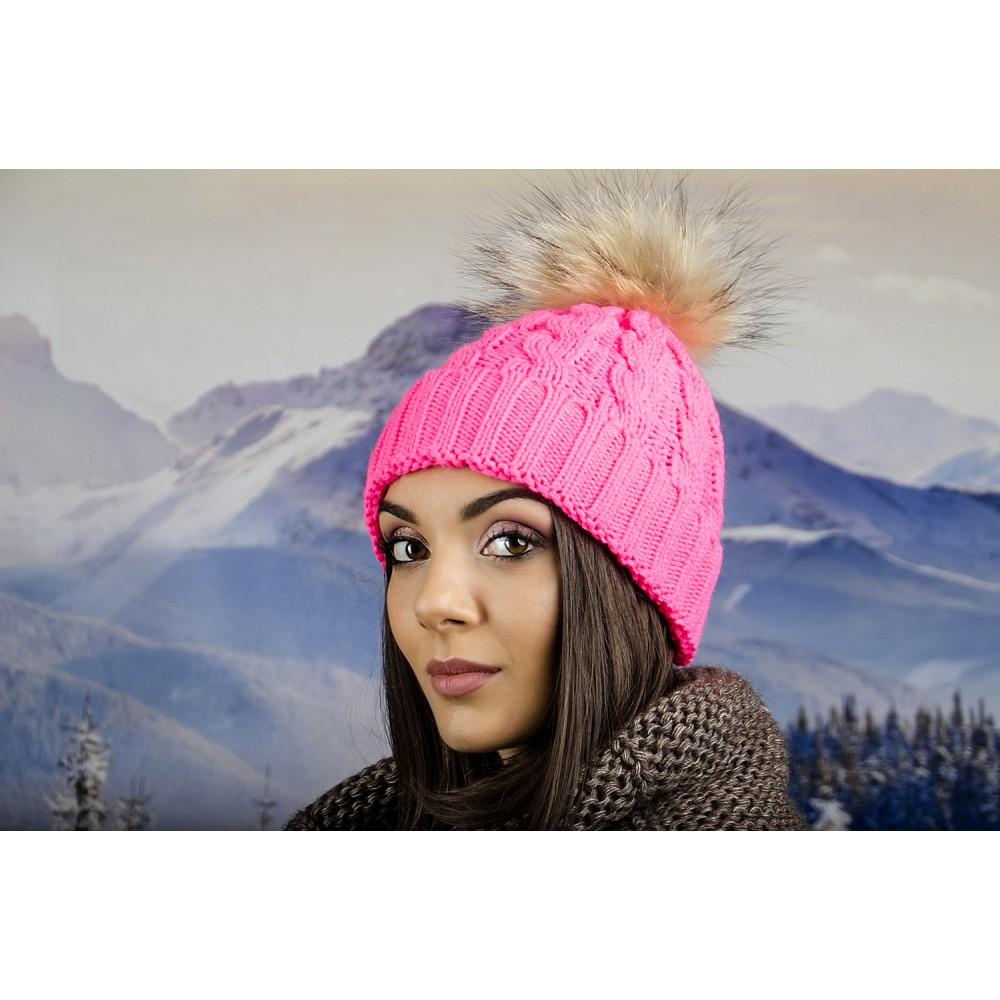 Дамска Зимна Шапка Плетена в Розово