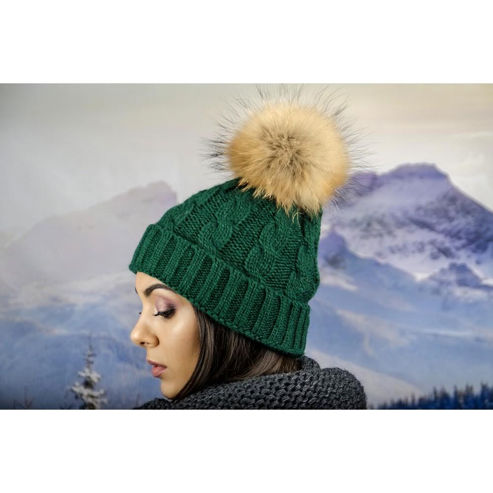 Дамска Зимна Шапка Плетена в Зелено