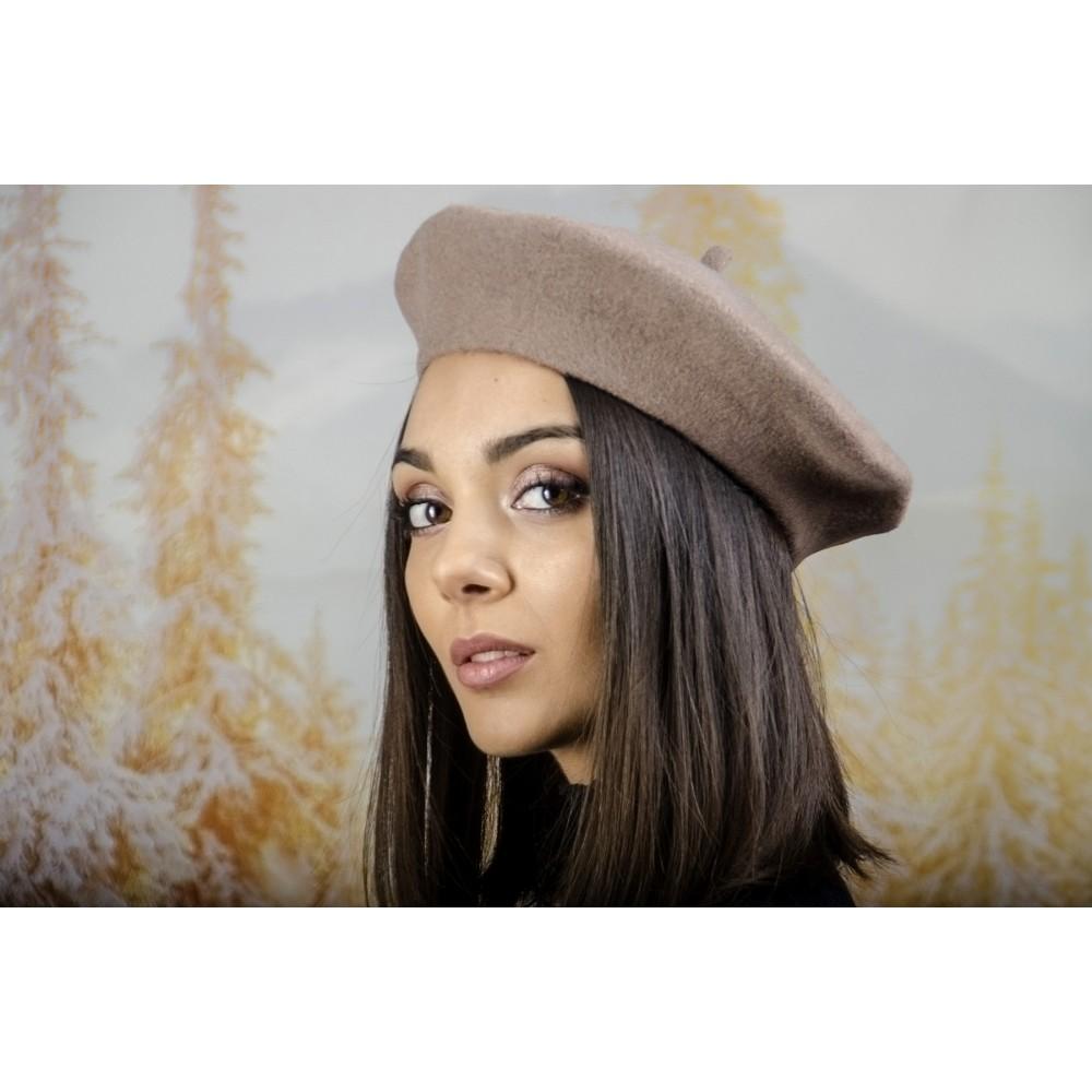 Дамска Зимна Барета Светло Кафява
