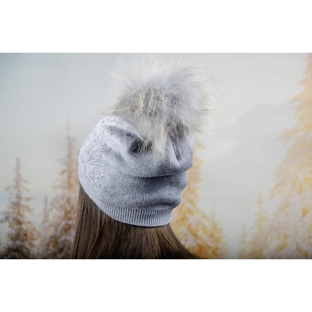 Дамска Зимна Шапка с Полар в Сиво
