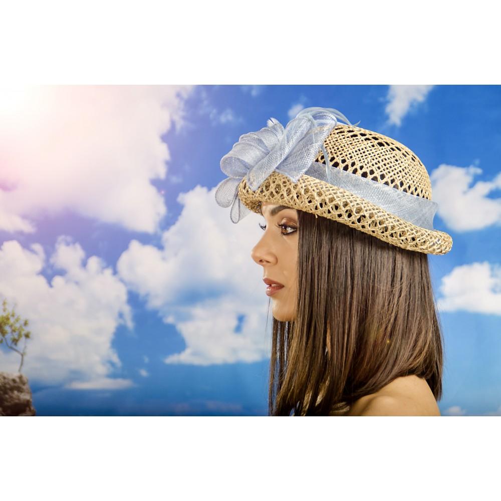 Дамска Капела с Панделка от Бананова Слама в Бледо Синьо