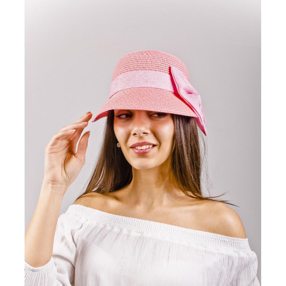 Светло Розова Дамска Капела с Асиметрична Периферия