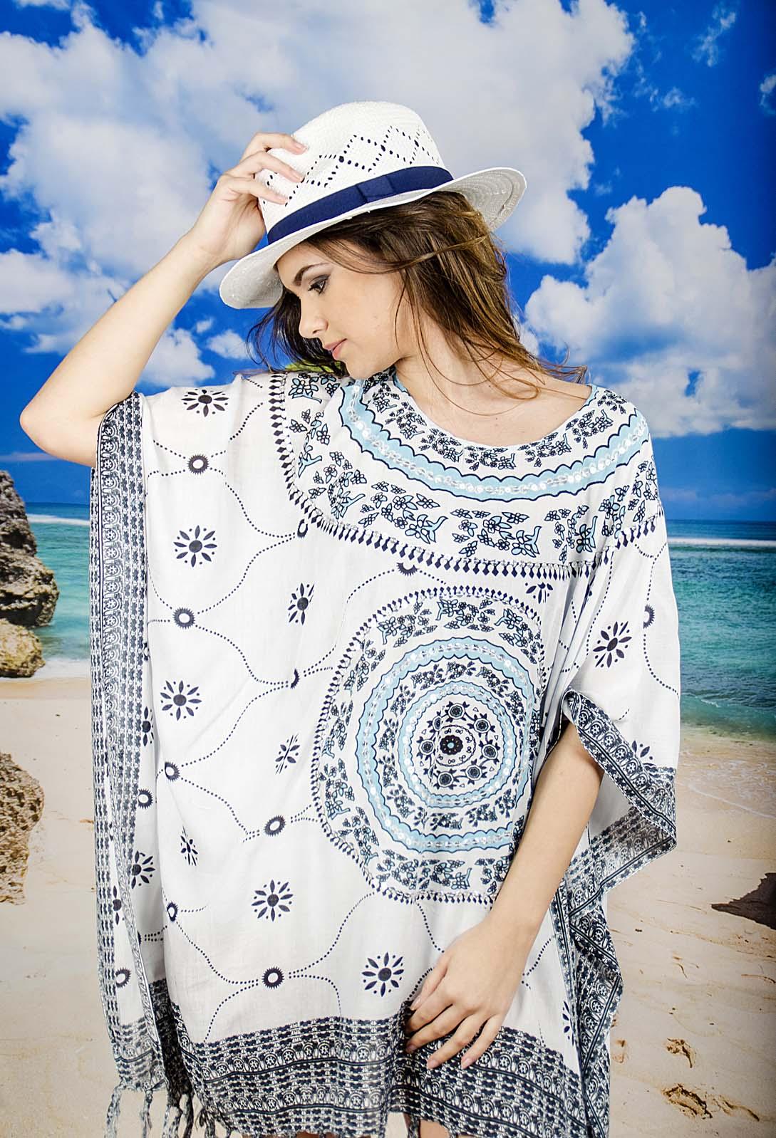 Плажна Туника в Бяло със Сини Орнаменти