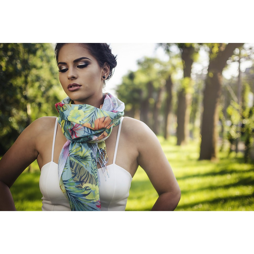 Дамски Летен Шал с Цветя и Палмови Листа