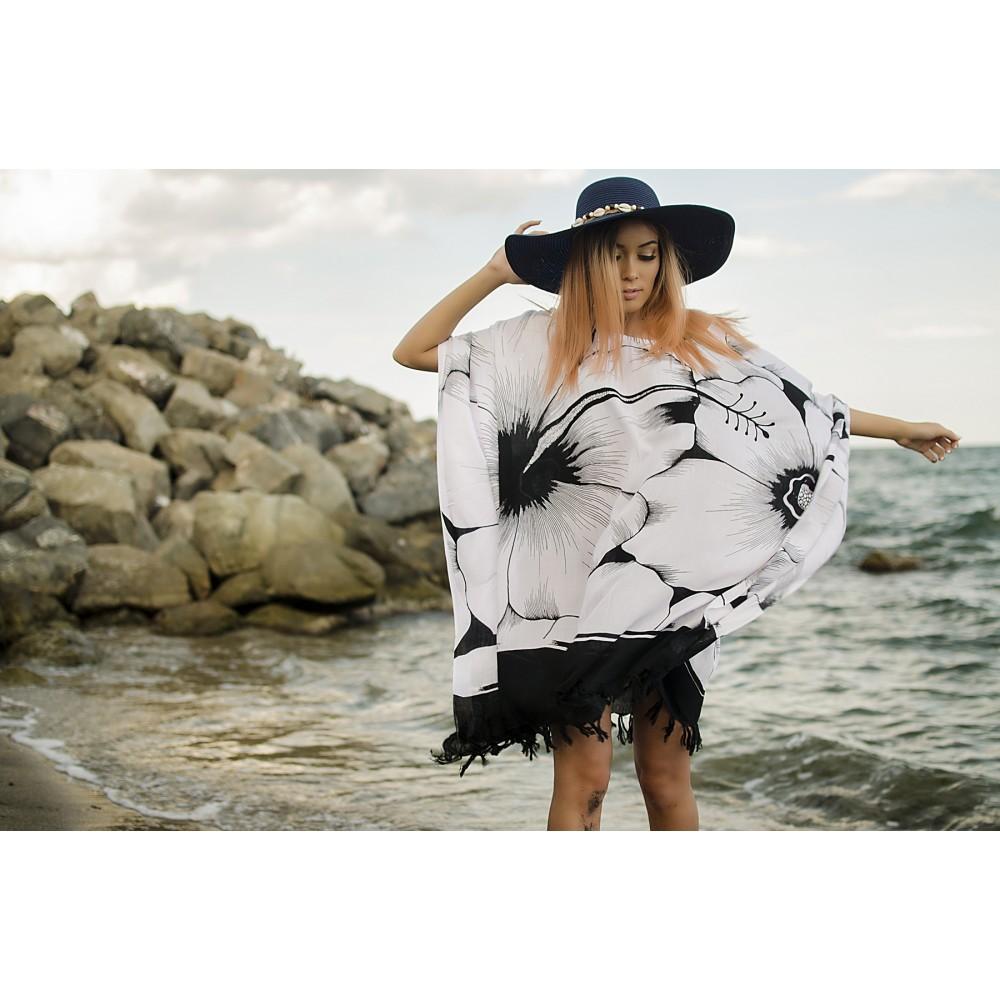 Плажна Туника в Бяло и Черно на Цветя
