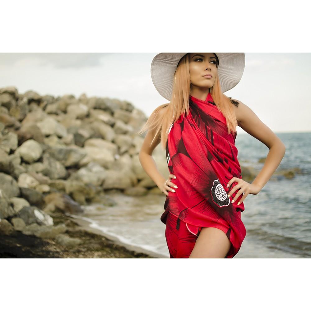 Плажен Шал в Червено и Черно на Цветя