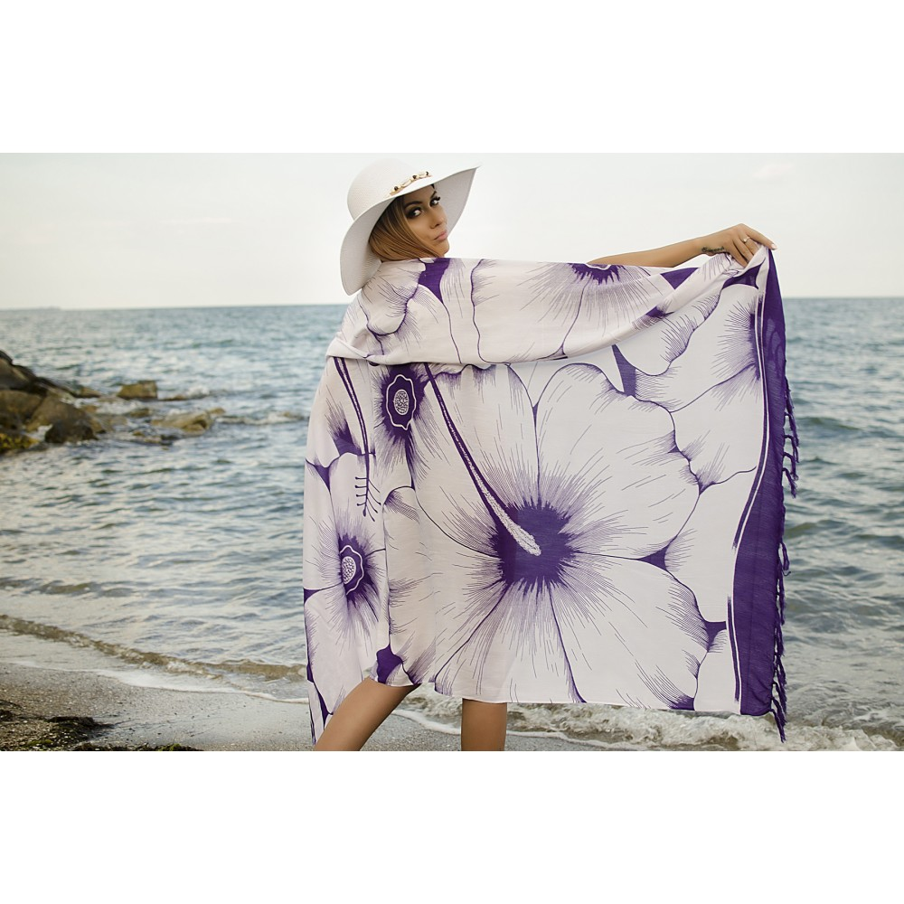 Плажен Шал в Бяло и Лилаво на Цветя