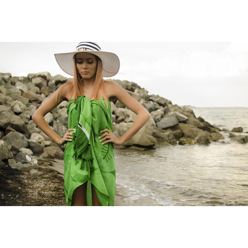 Плажен Шал в Зелено на Цветя