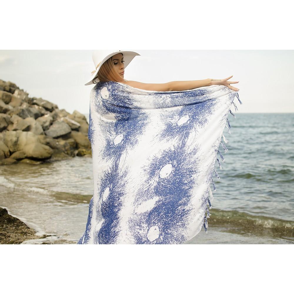 Плажен Шал в Бяло и Синьо