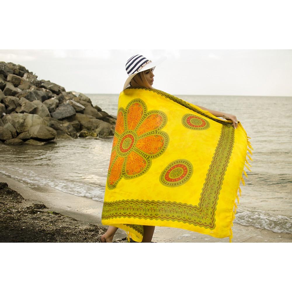 Плажен Шал в Жълти и Оранжеви Орнаменти