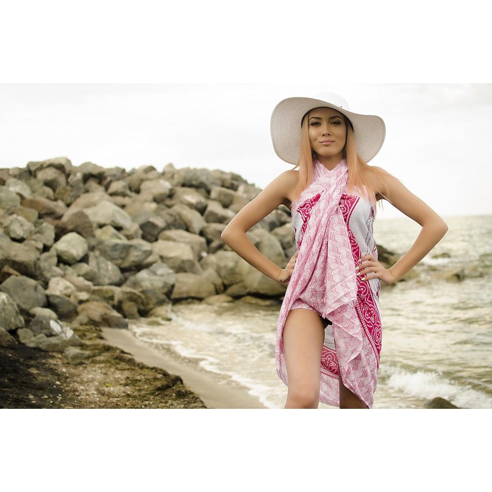 Плажен Шал в Бяло и Розово със Слонче