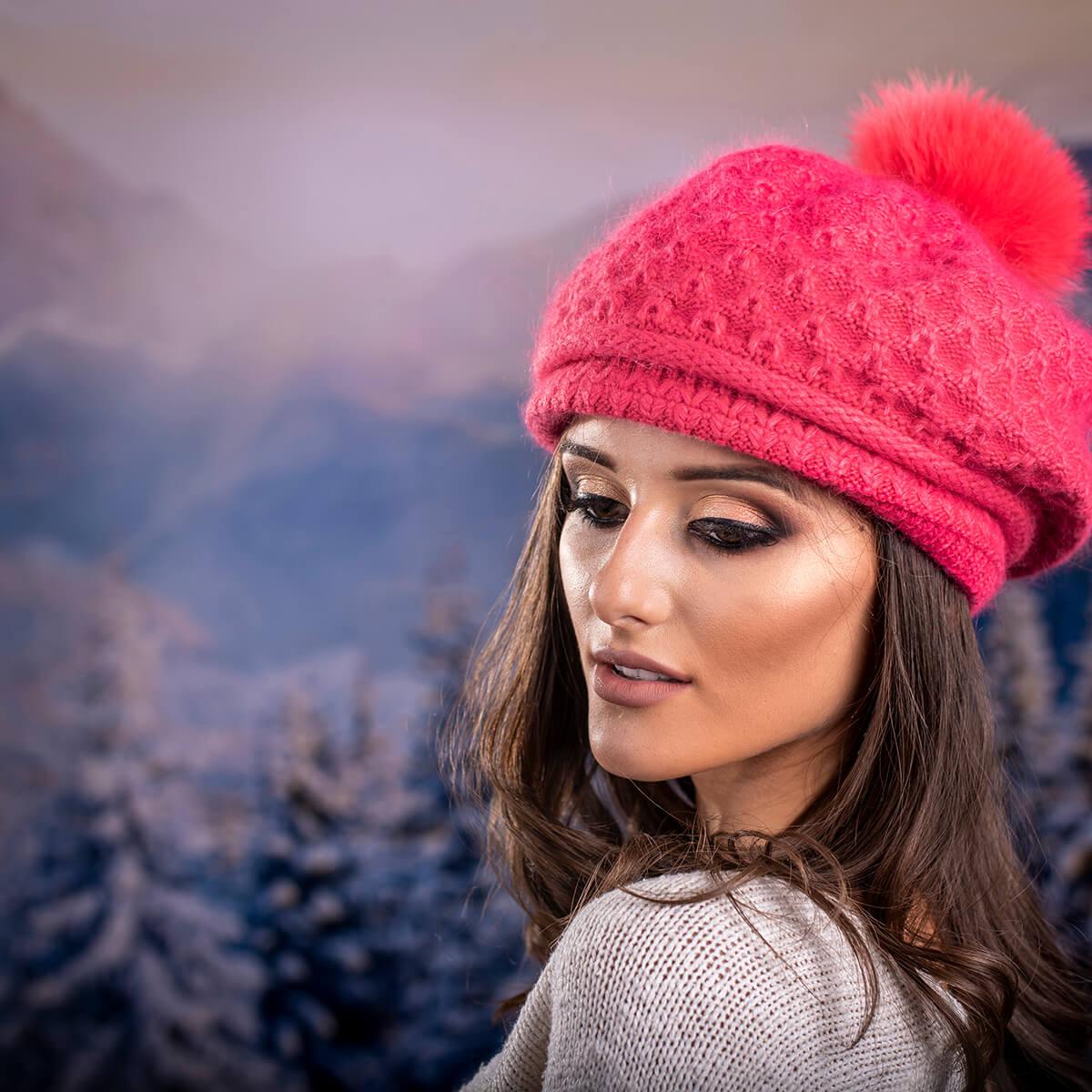 Зимна Дамска Барета от Ангора