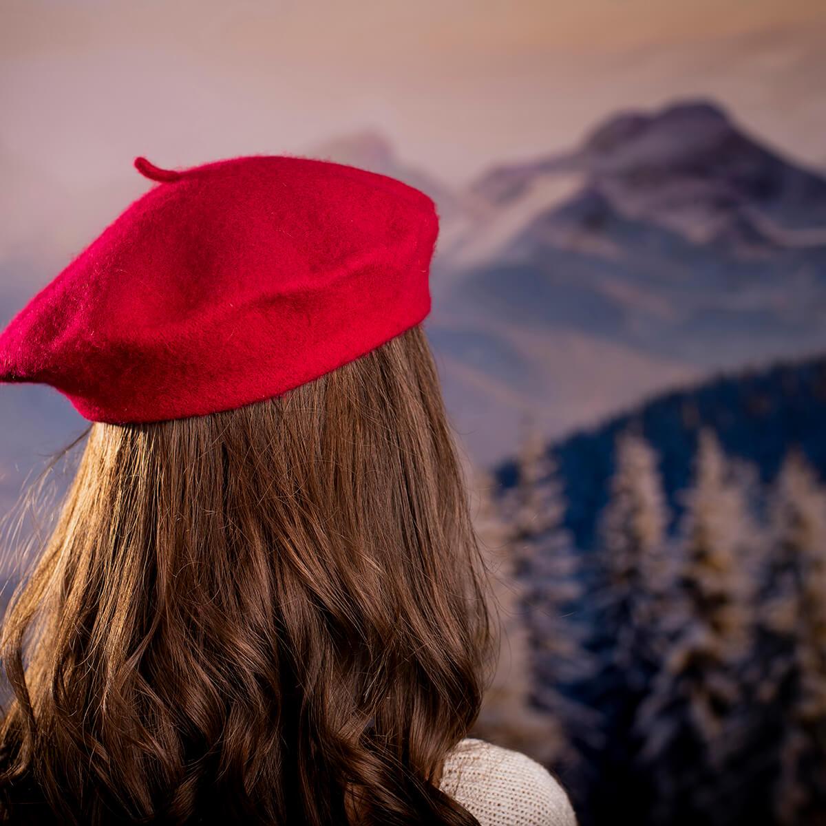 Дамска Зимна Барета Тъмно Червено