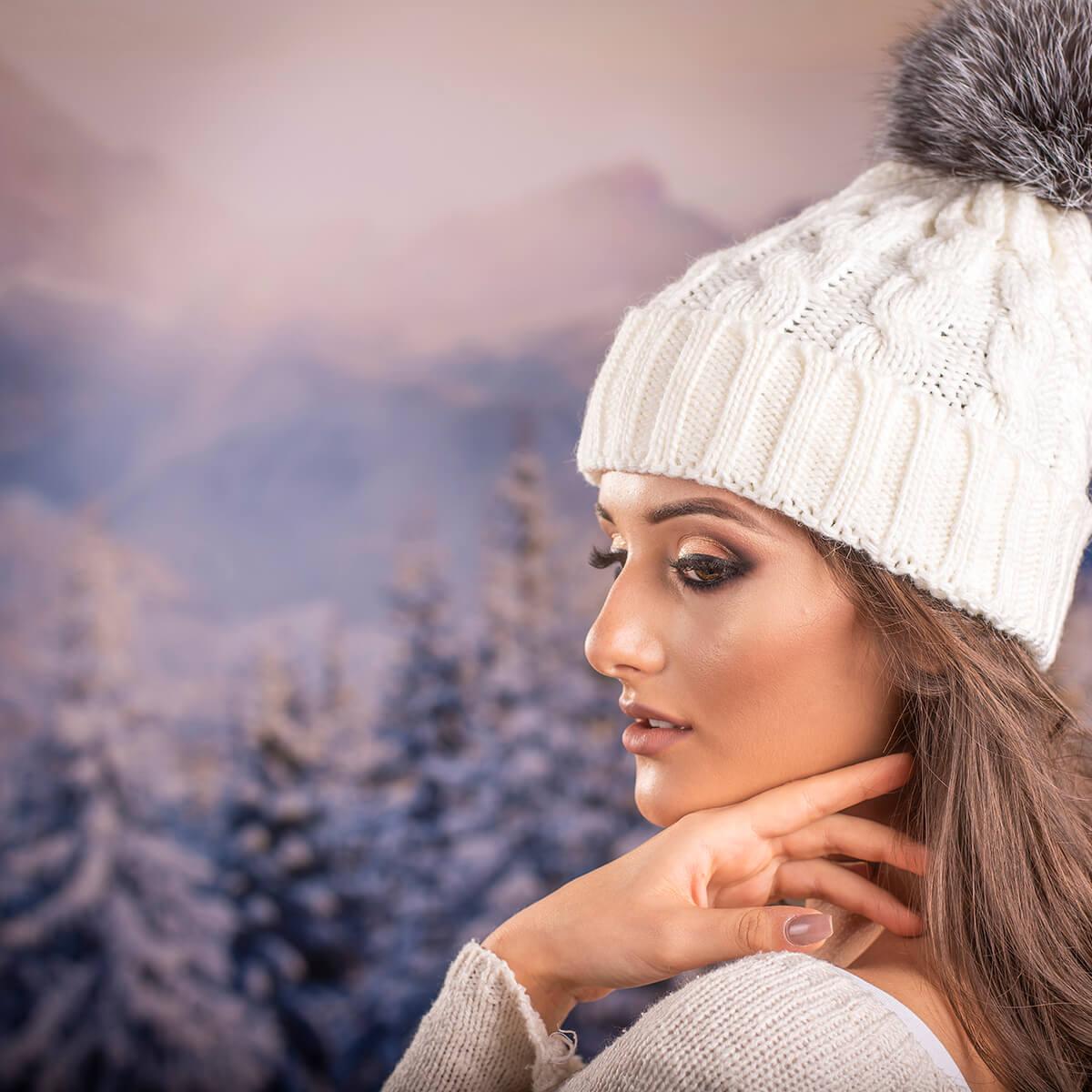 Дамска Зимна Шапка Плетена в Бяло