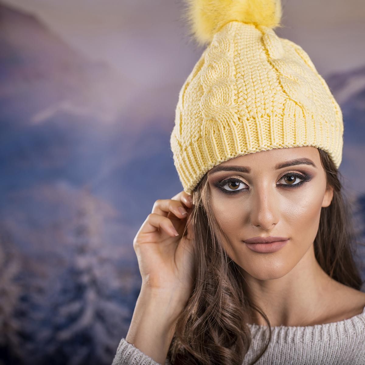 Дамска Плетена Шапка в Жълто