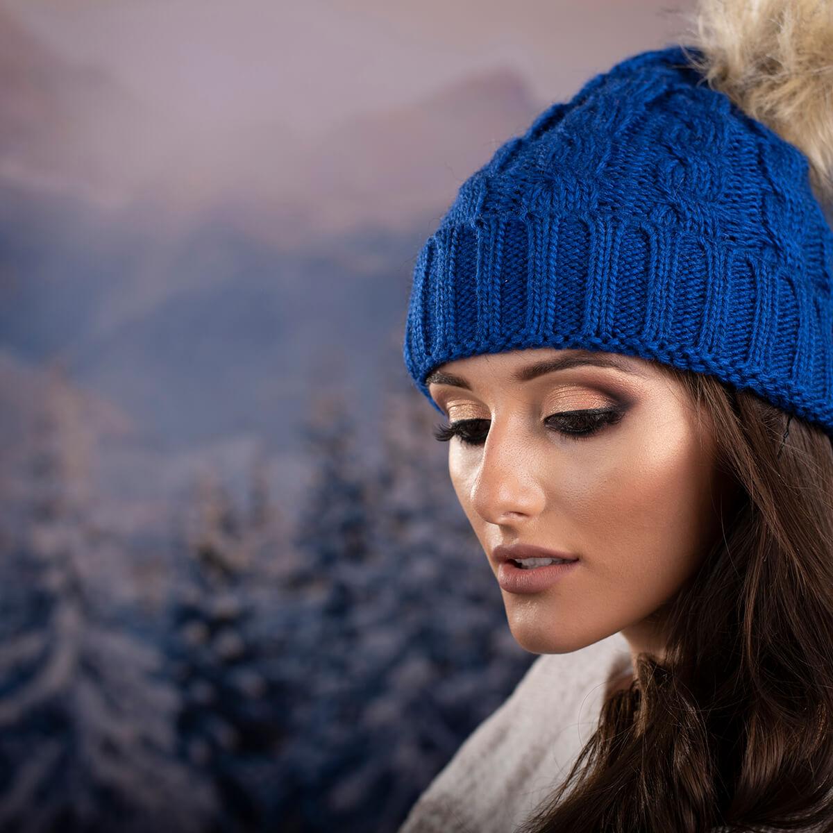 Дамска Зимна шапка в Тъмно синьо