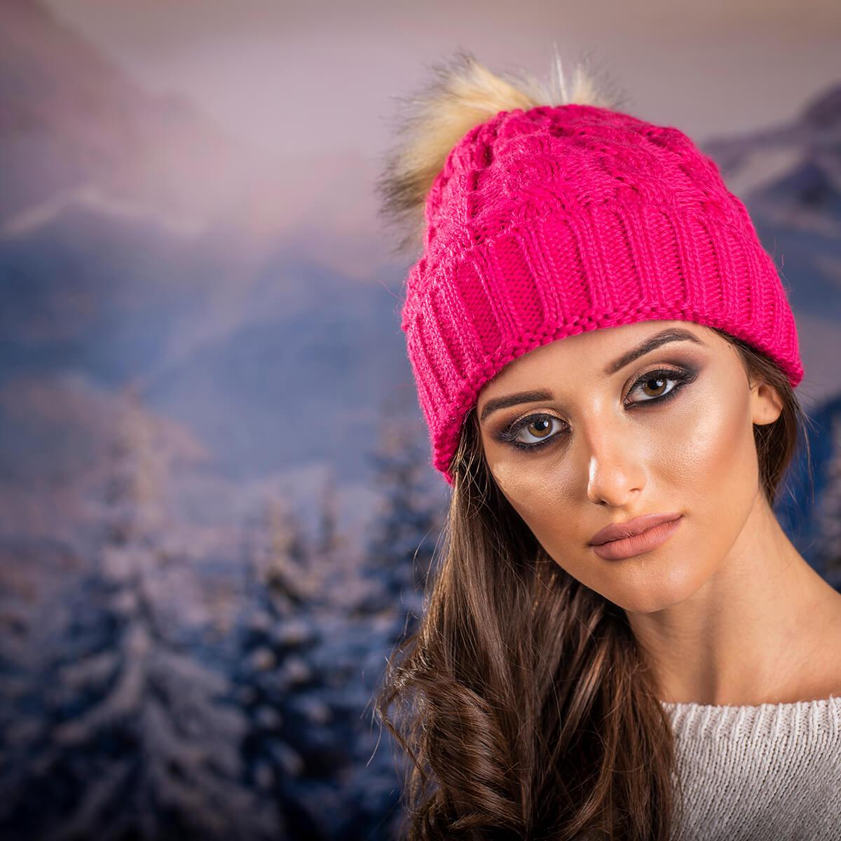 Дамска Зимна шапка в Циклама