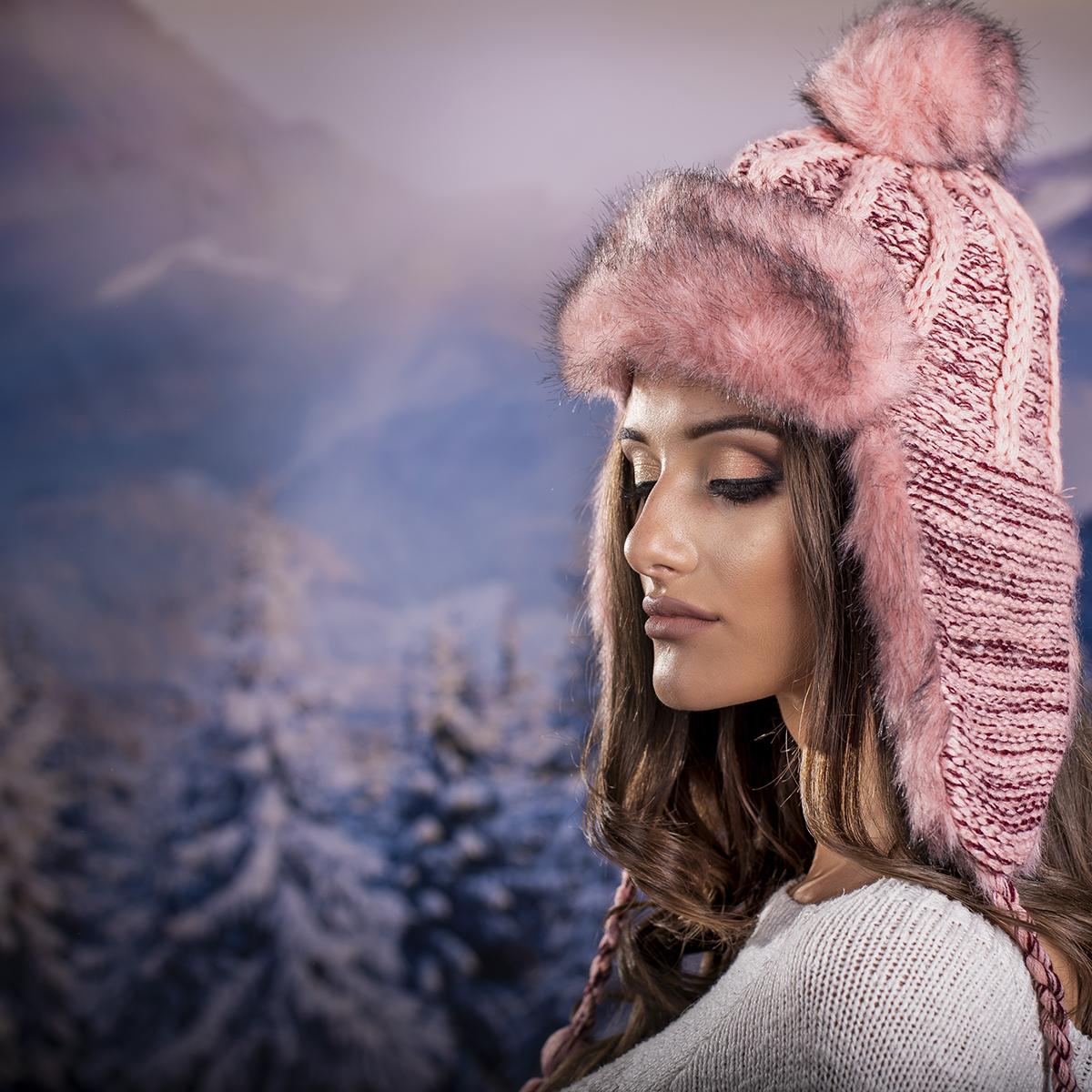 Дамска Зимна Ушанка в Розово