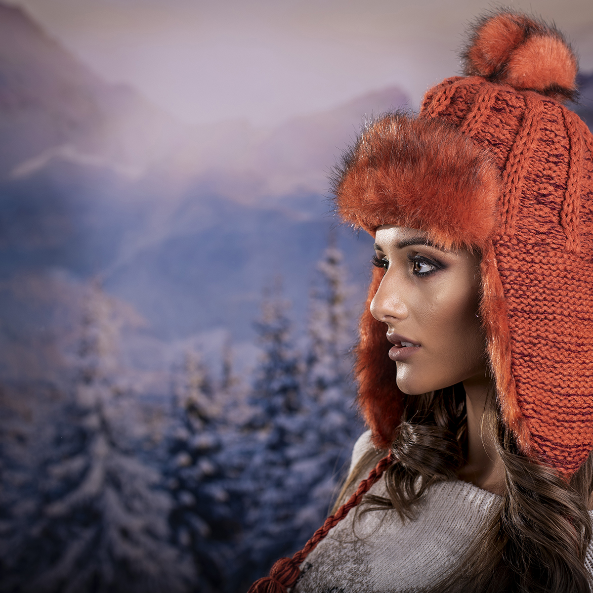 Дамска Зимна Ушанка в Оранжево