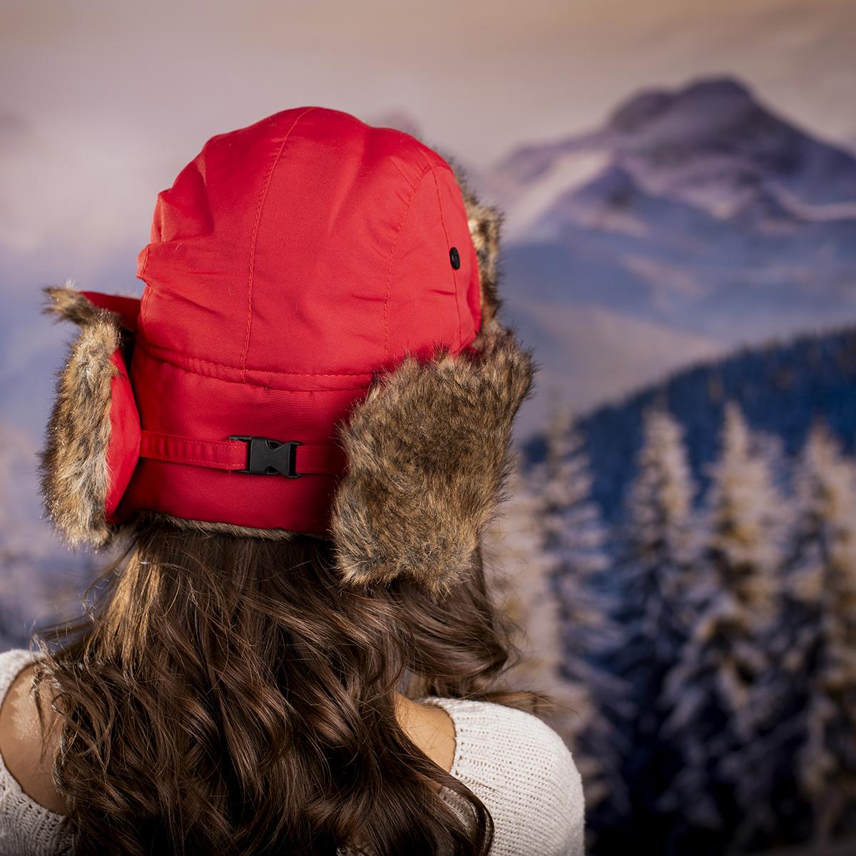 Дамска Зимна Ушанка в Червено