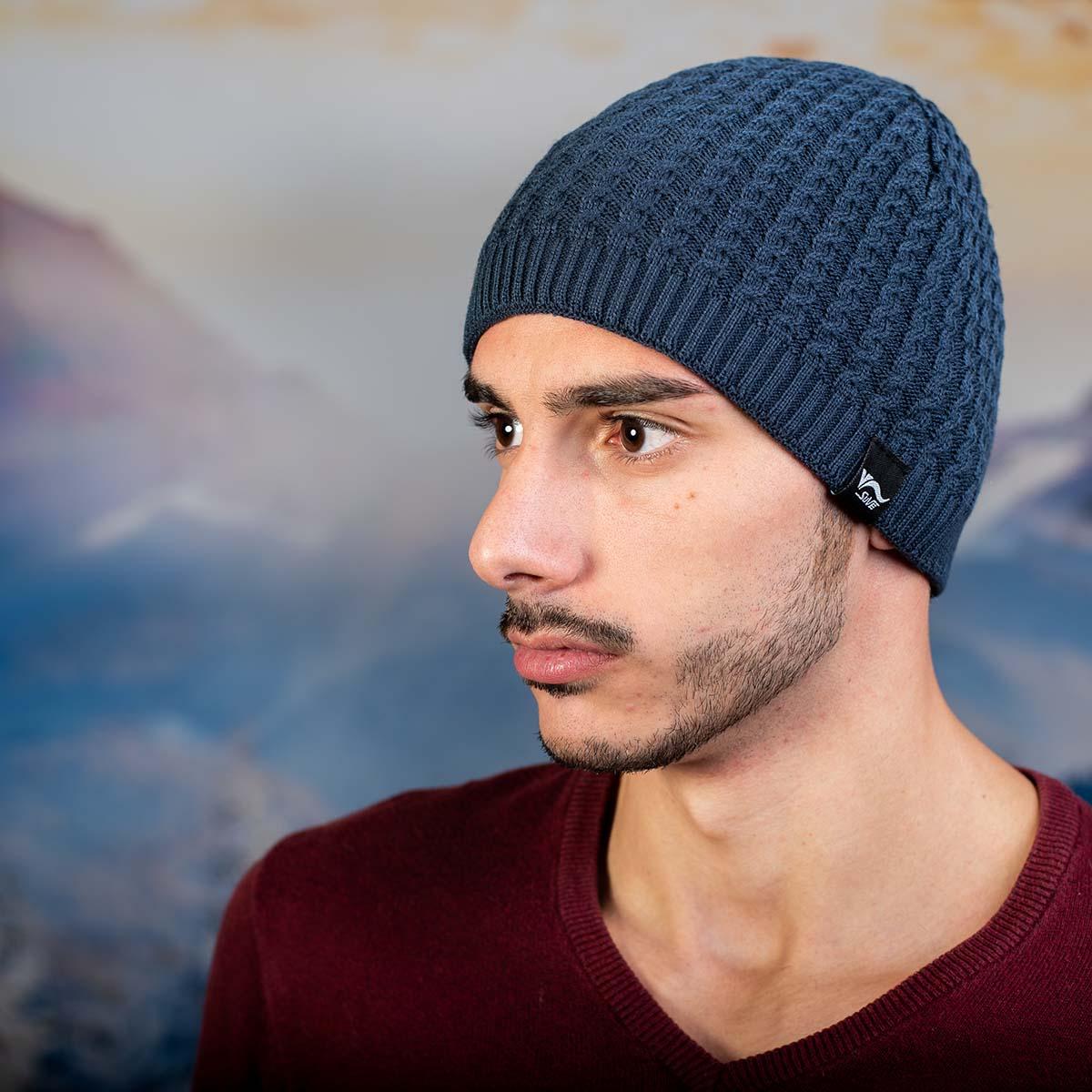 Синя Мъжка шапка