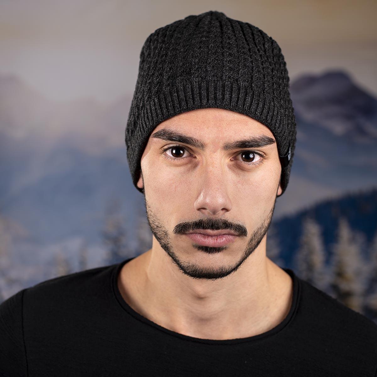 Тъмно Сива Мъжка шапка