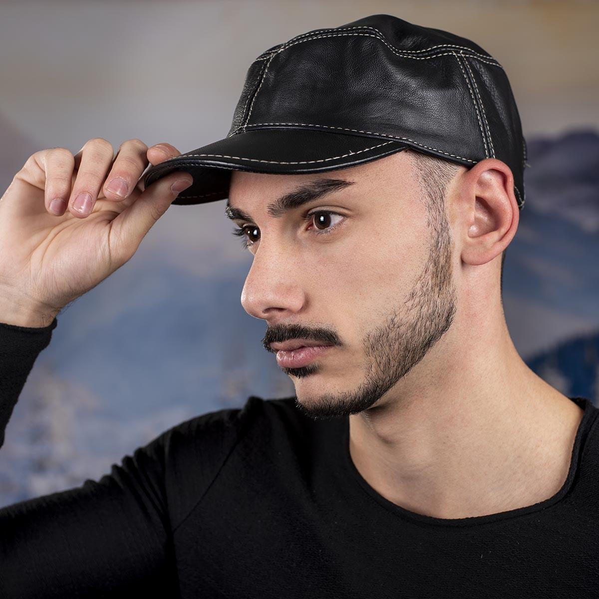 Мъжка шапка от Телешки бокс Черна
