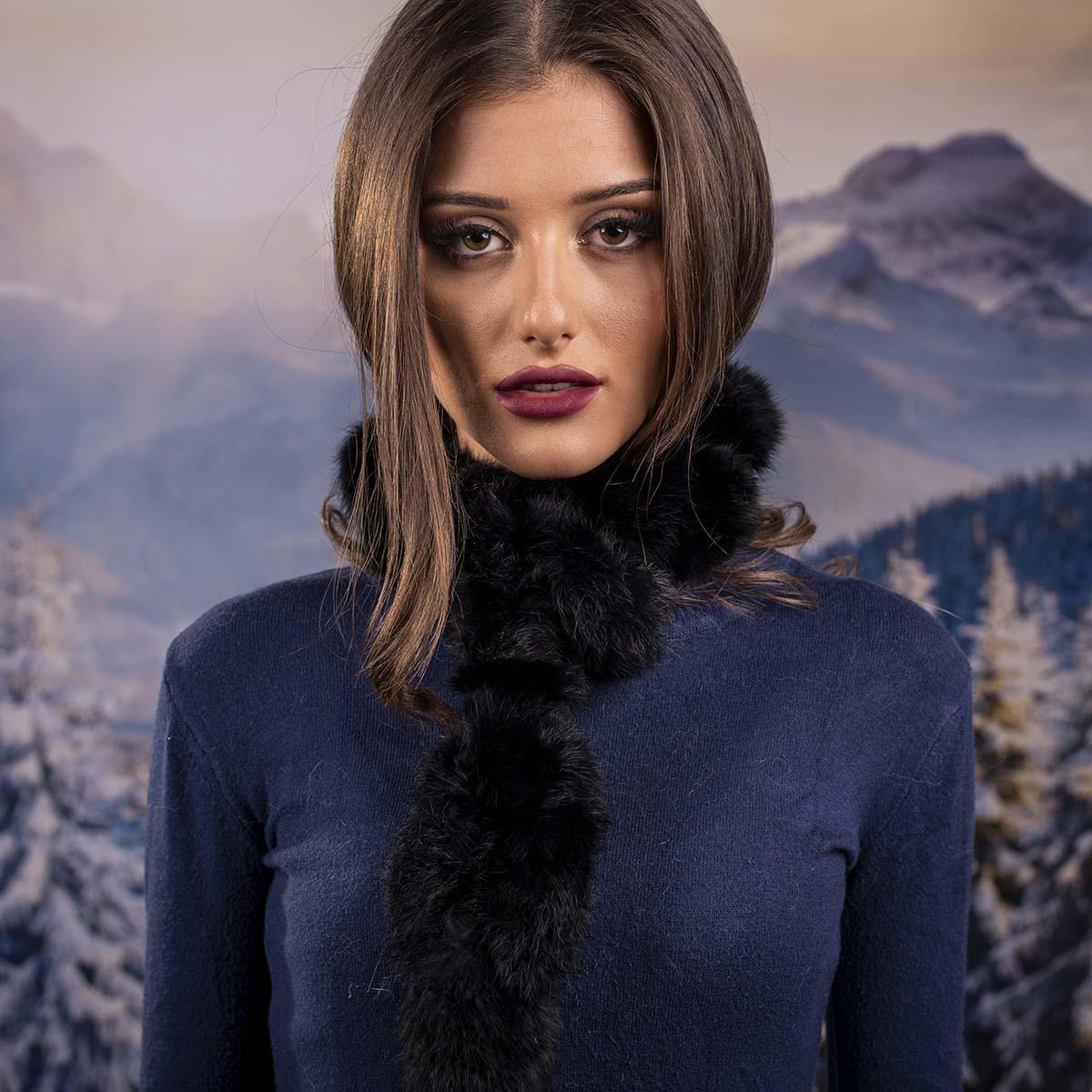 Дамски шал от Заек Черен