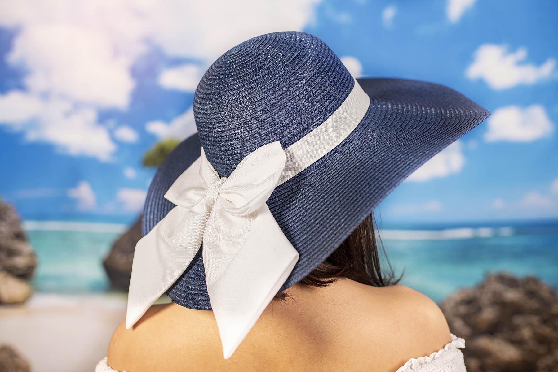 Синя Дамска Капела с Бяла Пандела