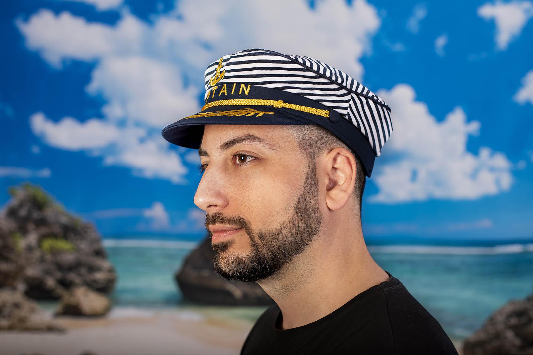 Мъжка Моряшка Шапка на райе с надпис CAPTAIN