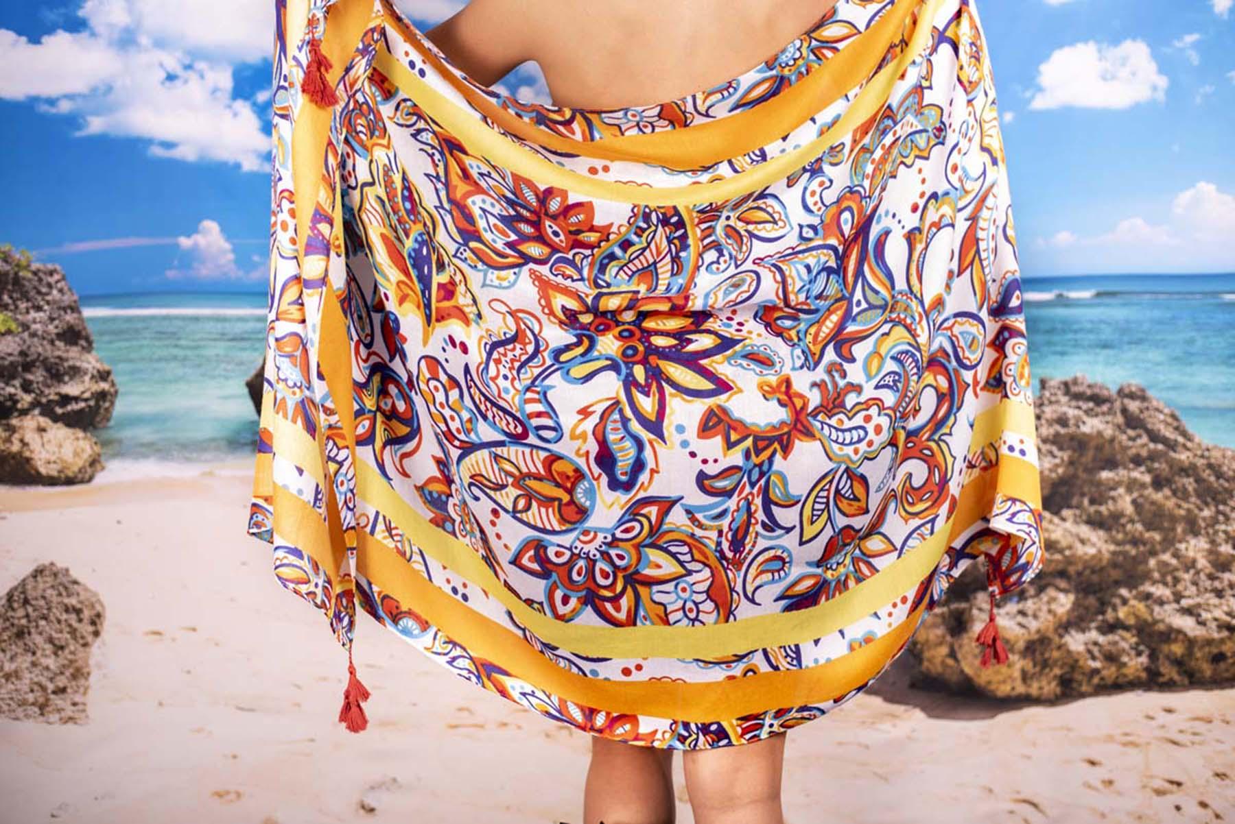 Плажно Парео в Свежи Цветове