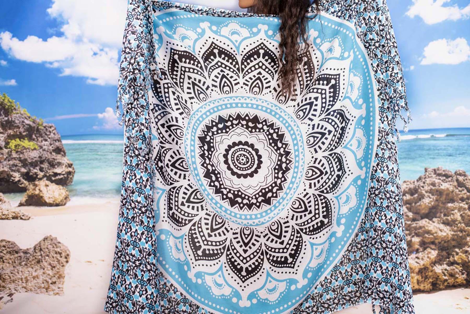Плажен Шал с Мандала в Светло синьо и Черно