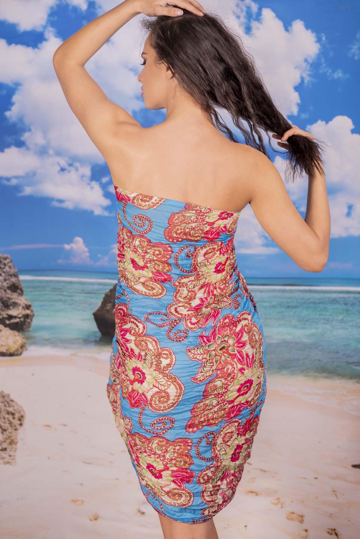 Ефирен Плажен Шал в Светло Синьо на Цветя
