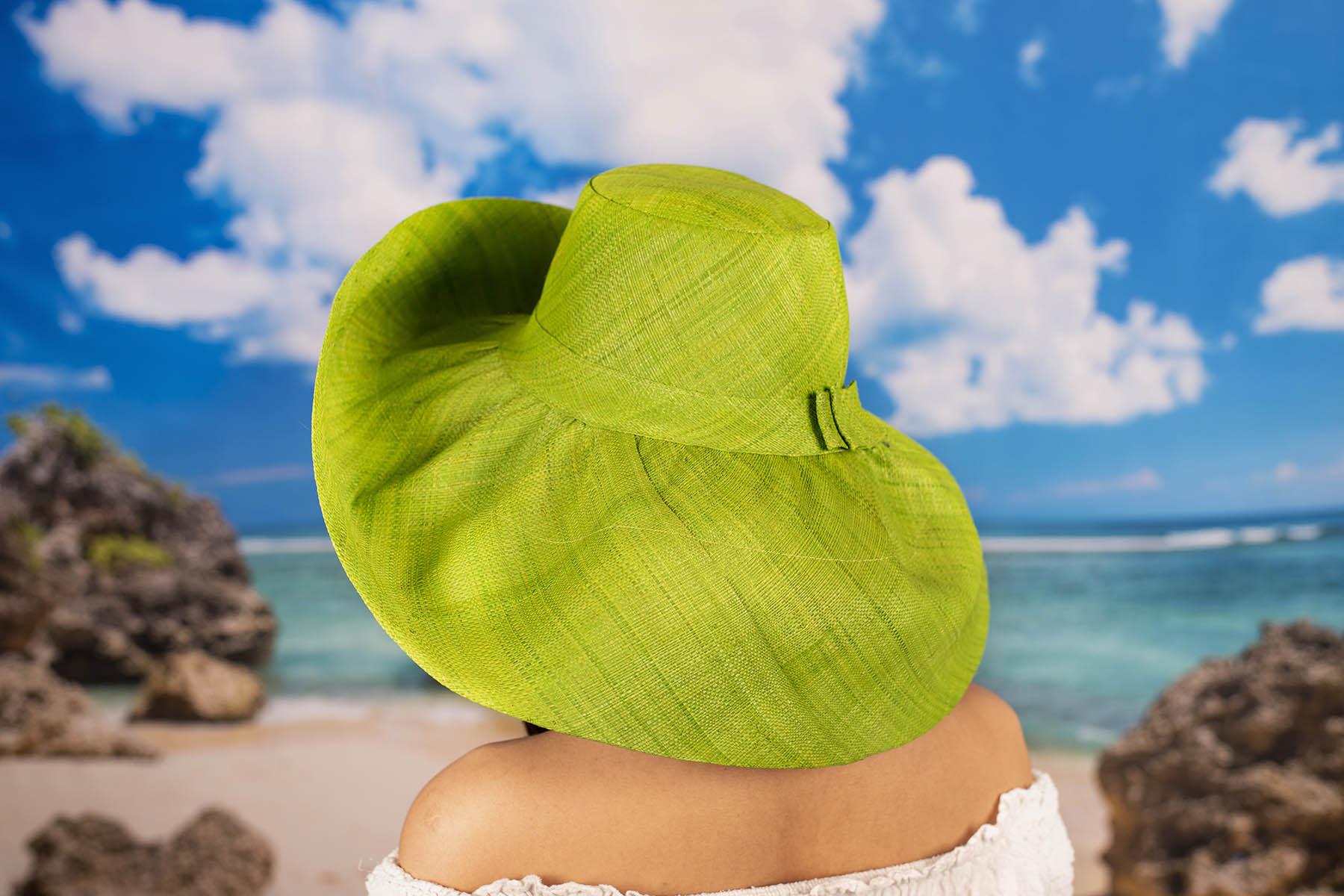 Дамска Елегантна Капела в Зелено