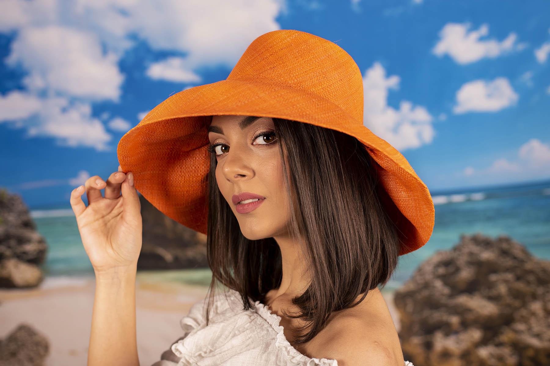 Елегантна Оранжева Капела