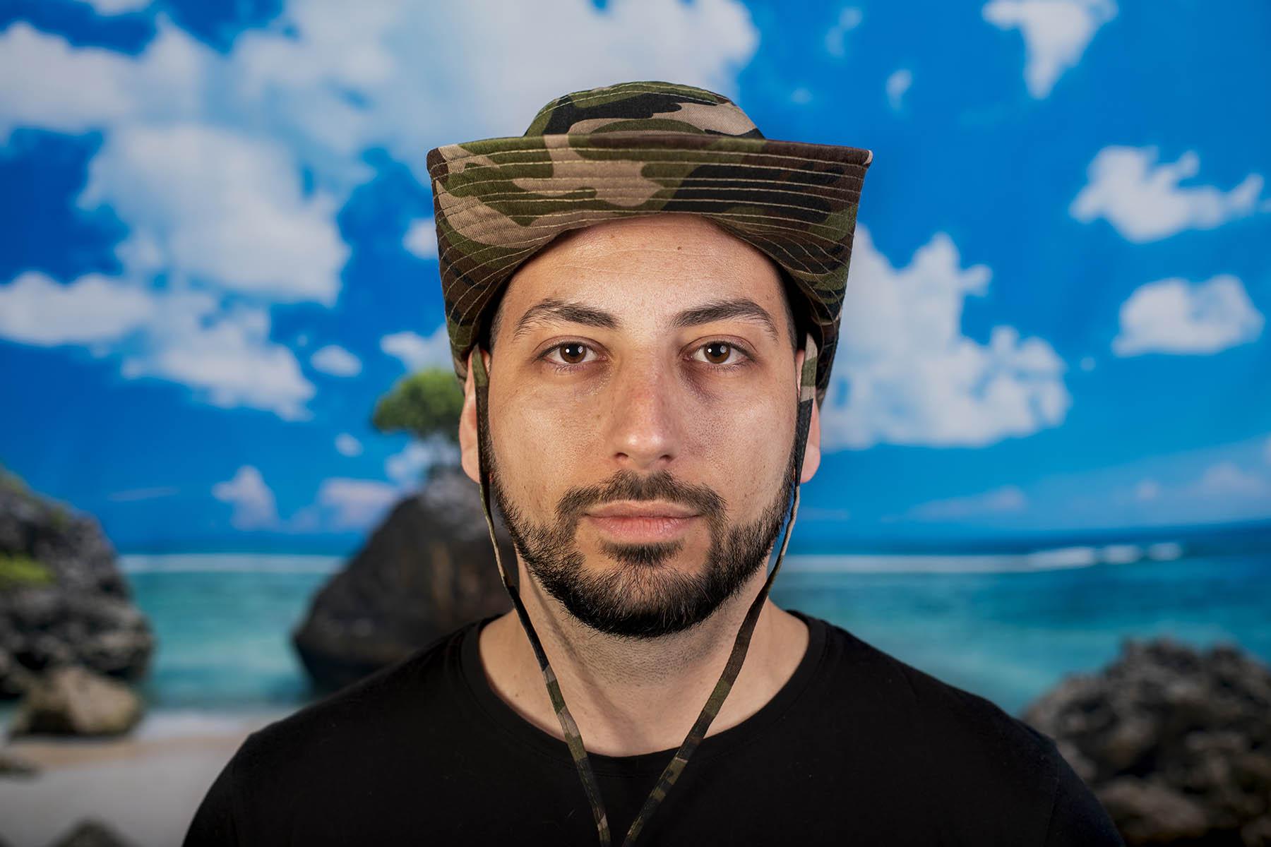 Туристическа шапка с връзки камуфлажна