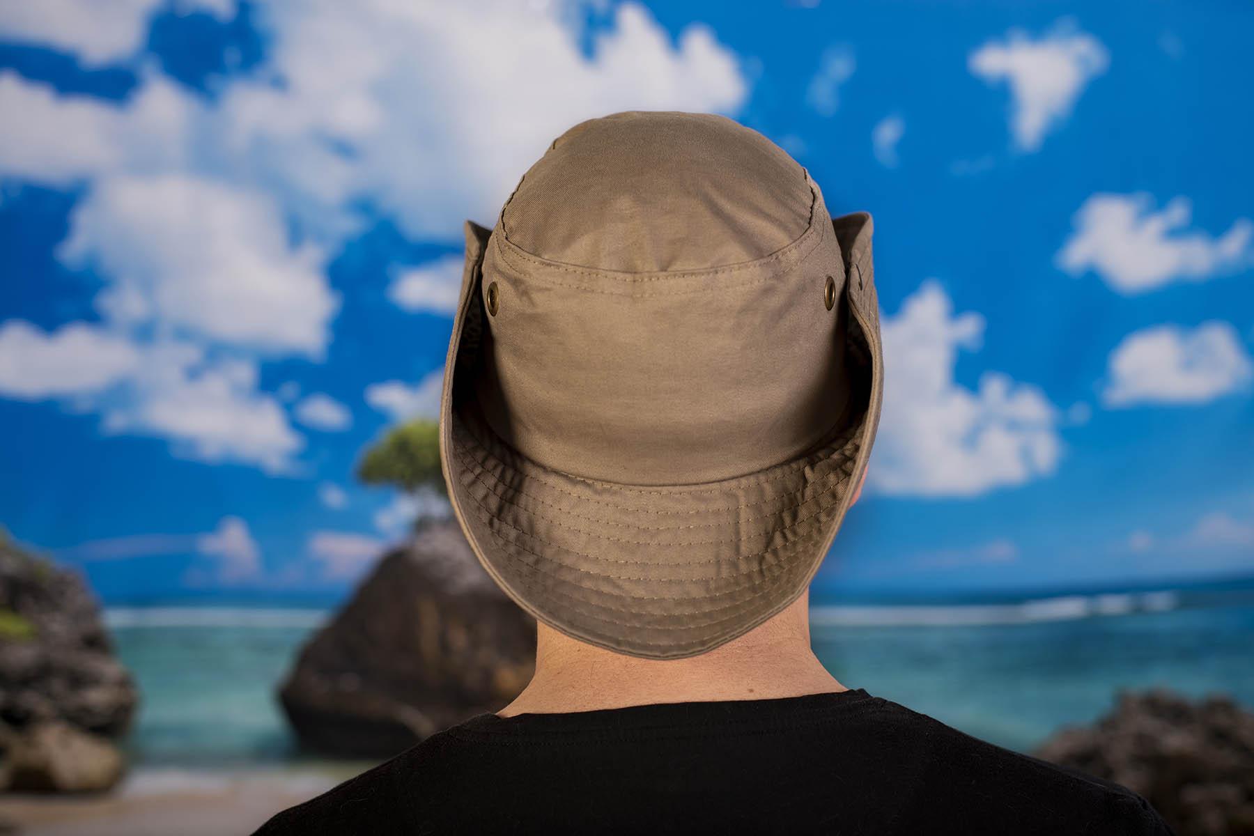 Туристическа шапка с връзки