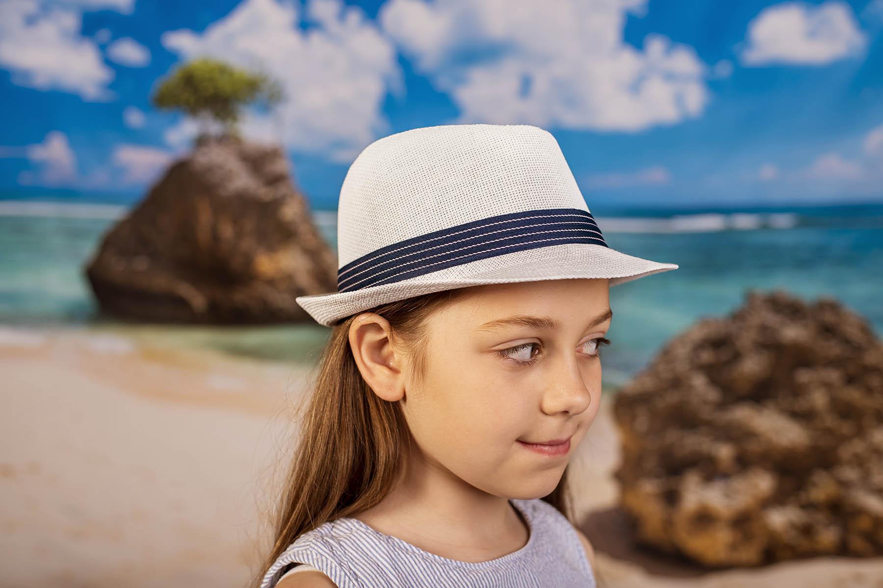 Бяло Детско Бомбе със синя лента