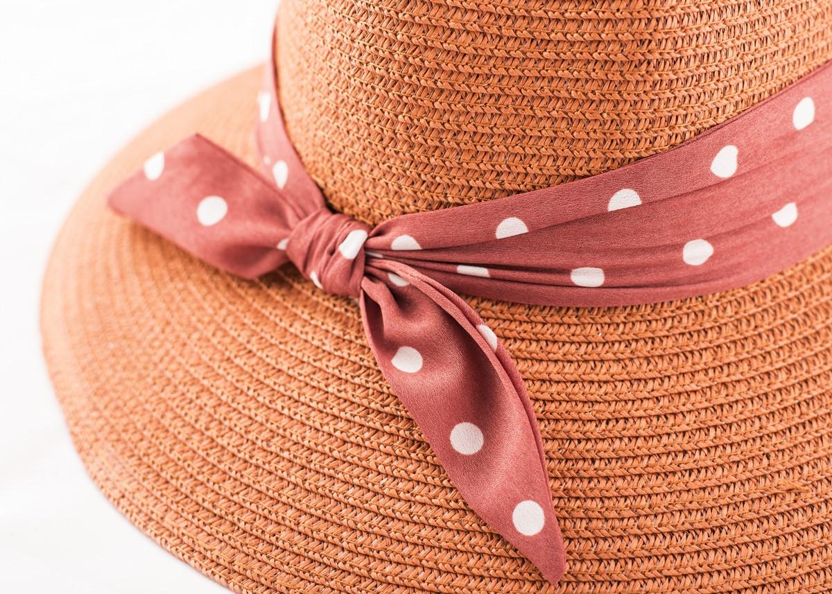 Дамска Керемиден цвят Капела с лента на точки
