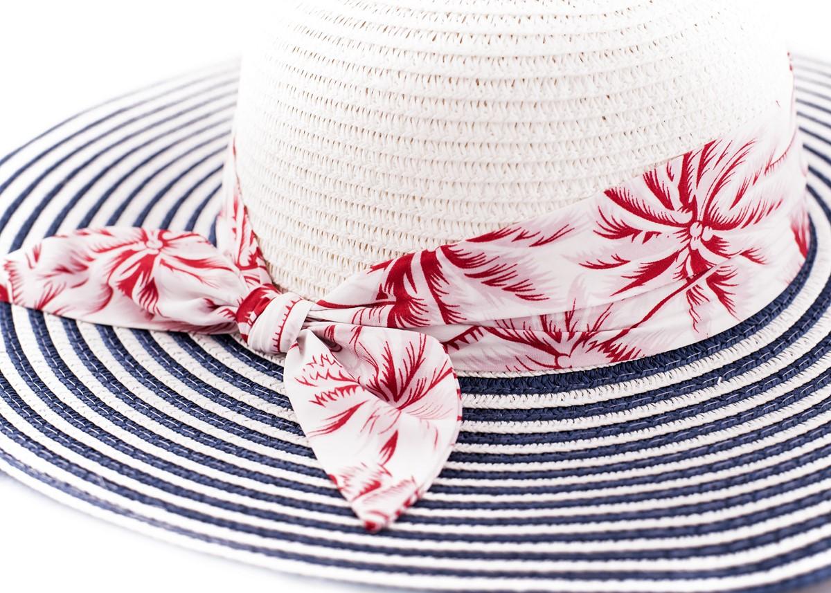 Бяла Капела синьо райе с лента червени палми